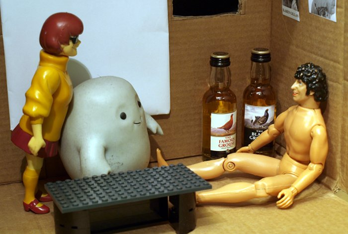Chief Inspector Grey-um #1 - Grey-um, Dinkley and Naked Tom Baker in his office, more miniatures.